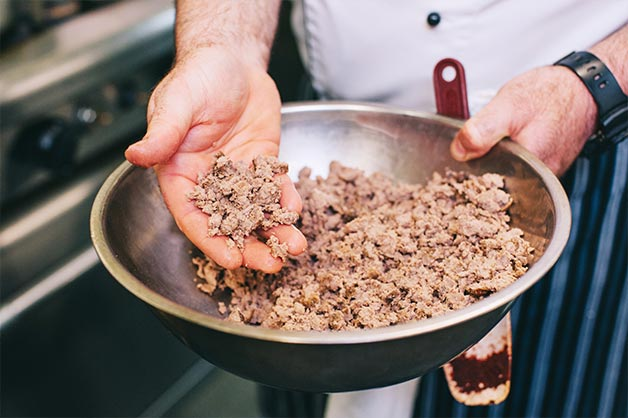 Step 1 Place your mince in a gastro and cook in oven at 200 degrees until brown crust forms on surface and cooked all the way through.
