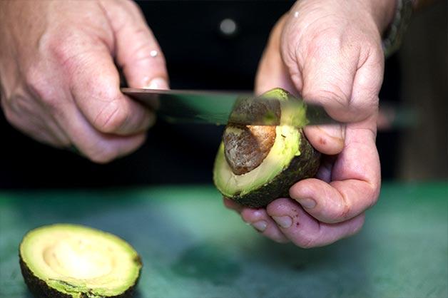 Image 3 - Deseed avocado