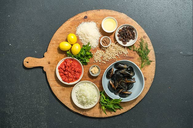 Raw ingredients for stuffed mussels
