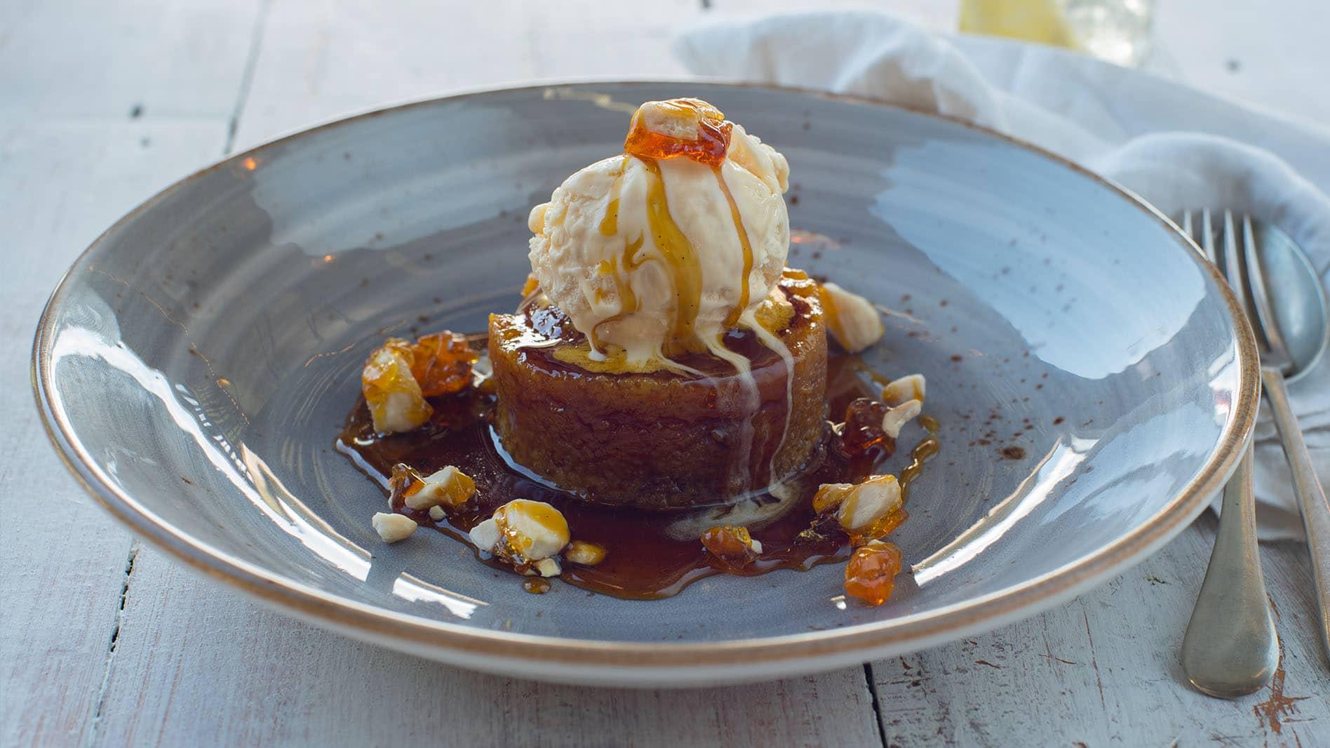 Steamed Golden Syrup Pudding