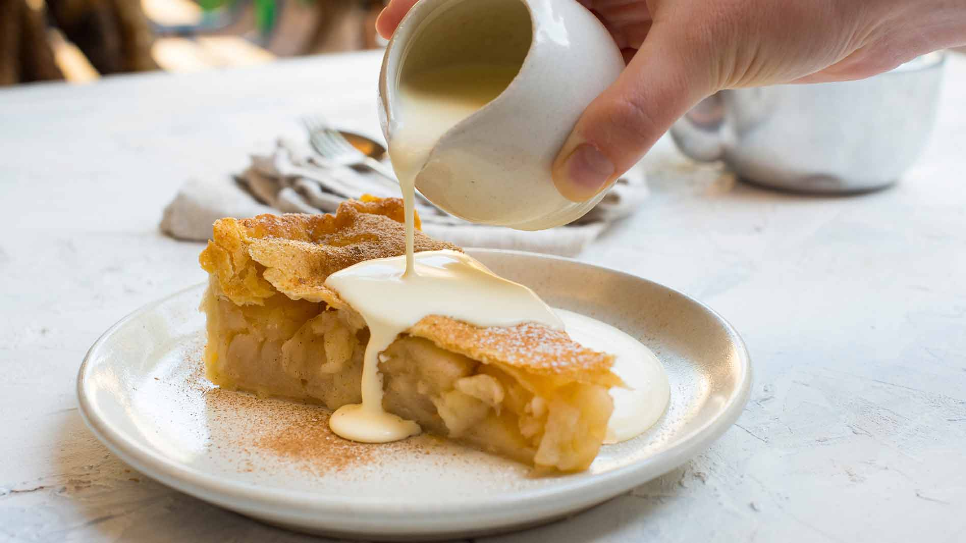 Classic Sweet Apple Pie