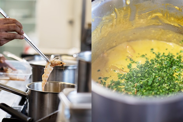 Placing the deshelled prawns to the curry