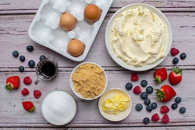 Raw ingredients for the baked cheesecake