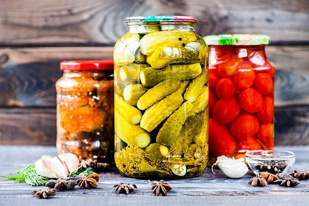 White wine vinegar is used for pickling in this image