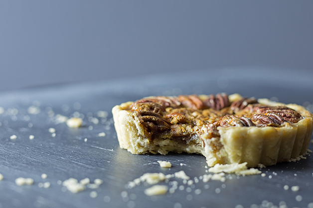 Pie bottom using the baking shortening