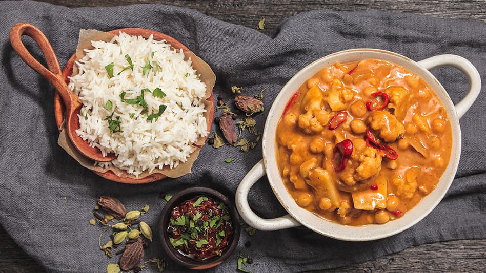 Vegan Curry With Chickpeas And Cauliflower